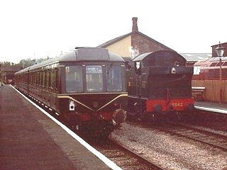 2003 - Busy scene at Williton on 5 May. This work is licenced under a Creative Commons Licence. © Jon Tooke