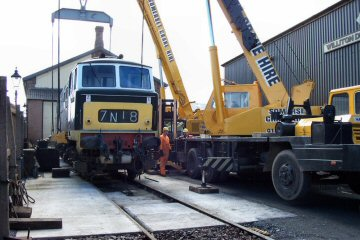 2004 - D7018 is prepared for lifting at Williton on 30 March. This work is licenced under a Creative Commons Licence. © Paul Randall