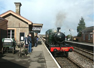 2004 - GWR 2-6-2T No. 5542 runs round at Willliton on 7 March. This work is licenced under a Creative Commons Licence. © Peter Darke