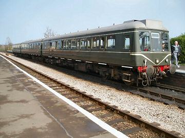 2005 - DMU at Williton Station on 28 March. This work is licenced under a Creative Commons Licence. © Rachel Coleby