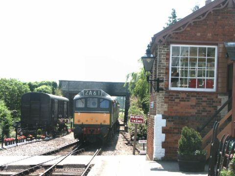 2006 - Substituting for the DMU, Class 25 No. D7523 arrives at Williton on 30 June. This work is licenced under a Creative Commons Licence. © Peter Darke