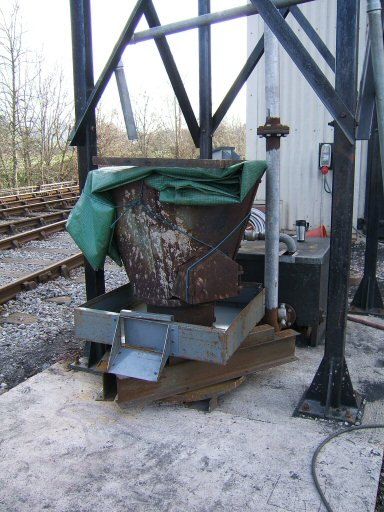 2007 - Another job for WSRA Engineering - installing sandblasting equipment at Williton North Yard in February. This work is licenced under a Creative Commons Licence. © Ian Grady