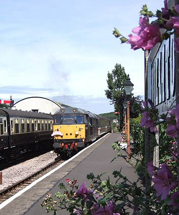 2007 - Class 31 No. 31452 leading the 11.10am Minehead to Bristol into Williton on 10 August. This work is licenced under a Creative Commons Licence. © Martin Southwood