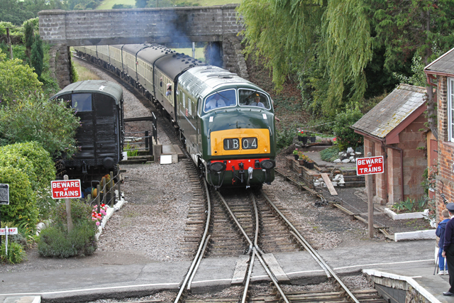 "2011 - Class 42 Warship No.D832 ""Onslaught"" arriving at Williton on 27 August. This work is licenced under a Creative Commons Licence. ©Martin Hope"