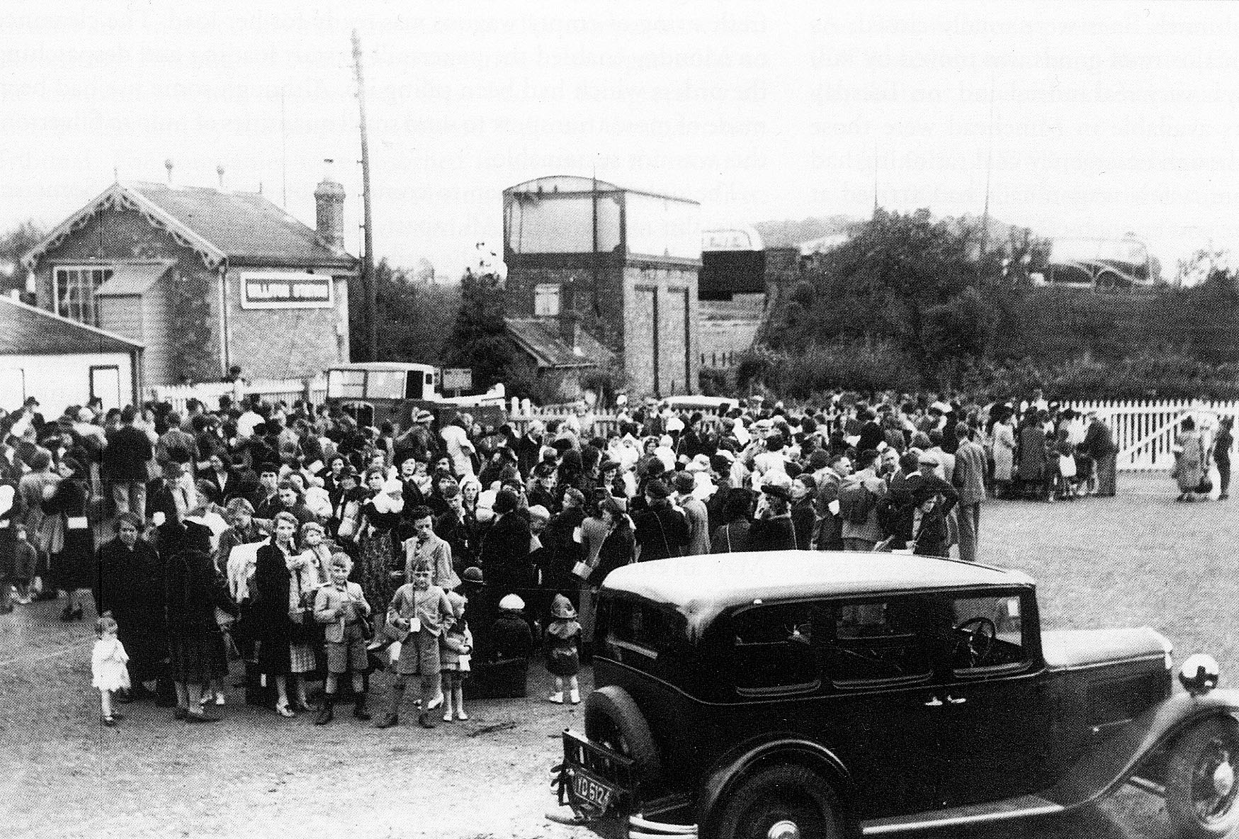 1939 - Evacuees from London arriving at Williton Station September. © Somerset County Council Library Services