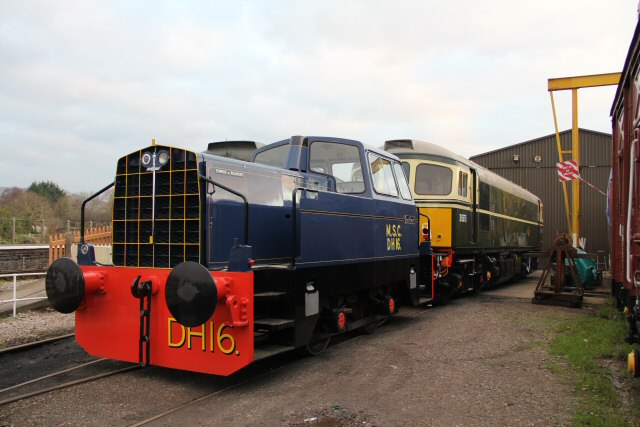 2012 - Class 33 No. D6575 with Sentinel No. DH16 at Williton on 14 January. This work is licenced under a Creative Commons Licence. ©Brad Cottrell